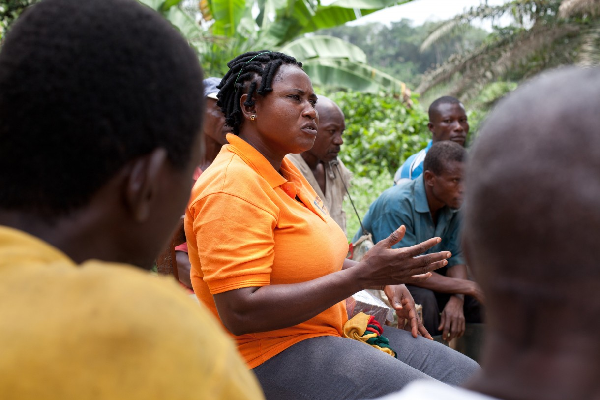 Joanna Manu meeting with constituents in Kroboline, Ghana, 2014. Photo by Jane Hahn/Oxfam America