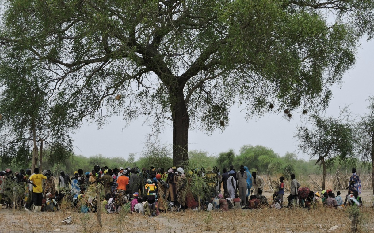 south-sudan-people-in-line