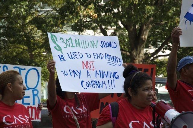 el-salvador-oceanagold-protests-11