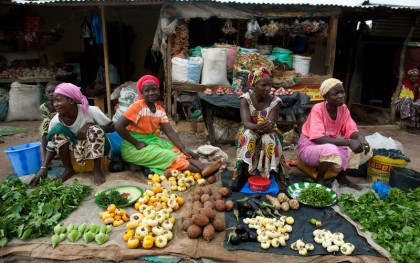 Women sell fruits and vegetables at the market in Kolda, Senegal, July 27, 2012.  Photo: Holly Pickett / Oxfam America